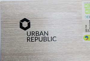 Pencetakan logo pada bahan kayu oleh WER-D4880UV 2